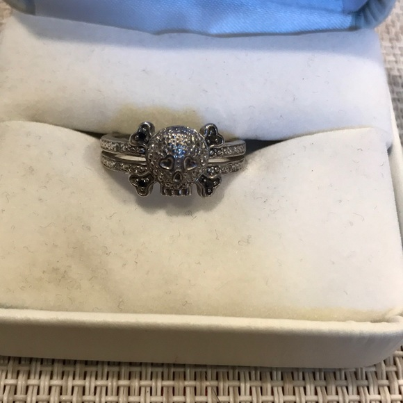Kay Jewelers Jewelry Ladies Skull And Cross Bones Ring Poshmark